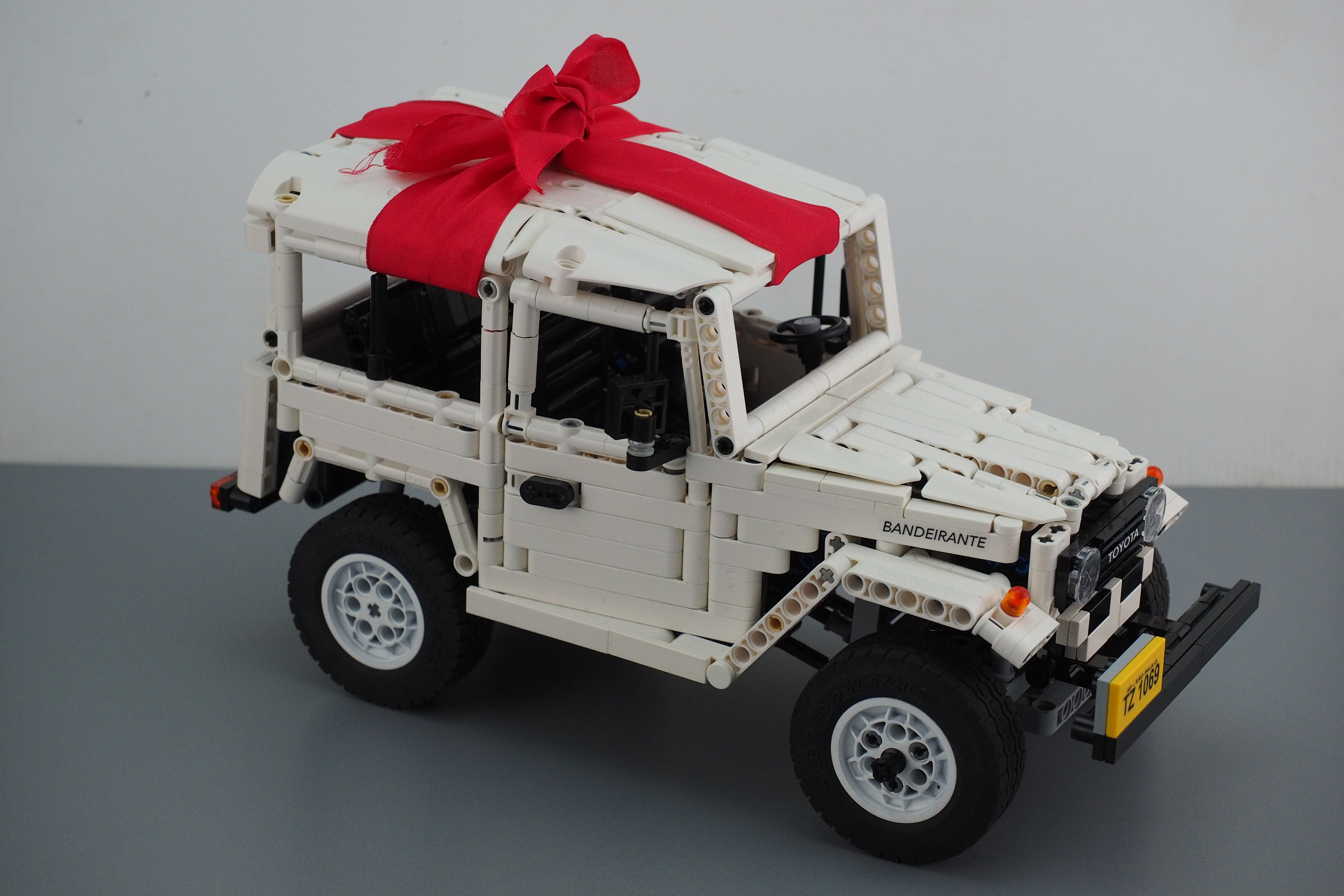 Toyota Bandeirante made from LEGO bricks « Intuition